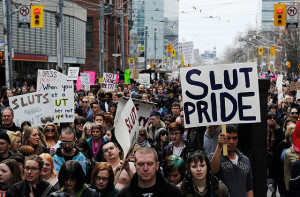 Primeira SlutWalk do mundo em Toronto Candá 2011
